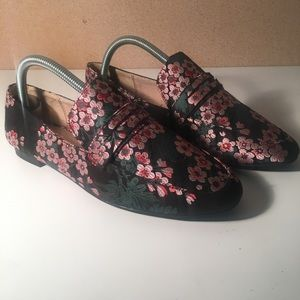Women's floral casual work slip on shoe sz 8